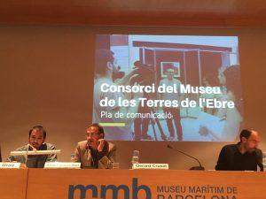 Joan Grau, tècnic de comunicació, i Àlex Farnós, director - gerent del MTTE, explicant el Pla de Comunicació