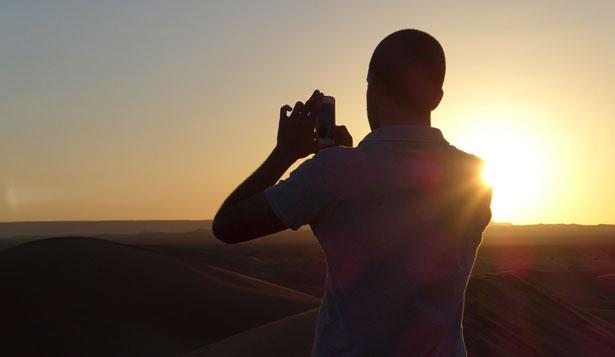 Sortida del sol a les dunes de Merzouga, al Marroc - Isma Monfort